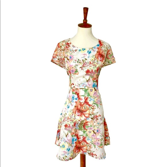 ModCloth Dresses & Skirts - Modcloth Floral Dress